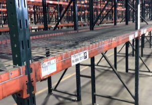 Ridg-U-Rack slotted rack close-up of beam and frame.